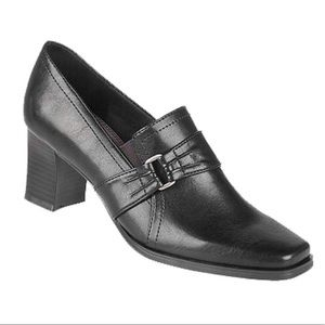 - Life Stride Sycamore Heels size 7.5